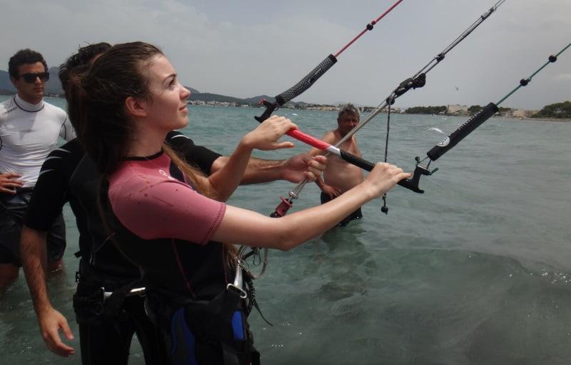 4 steering your kite learn kitesurfing in July in Pollensa mallorca kiteschool com