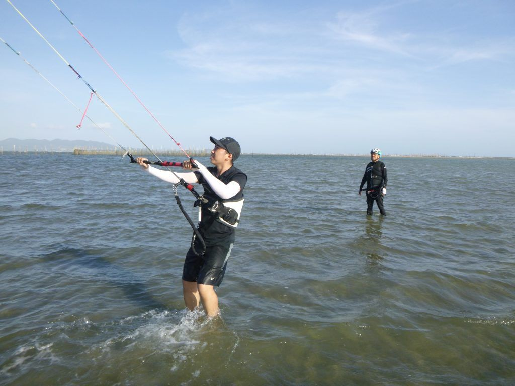 learn kitesurfing in Vietnam - Vung tau