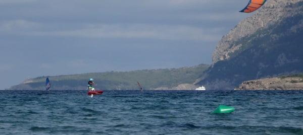 wind in mallorca foilboarding in Pollensa bay kitesurfing mallorca com