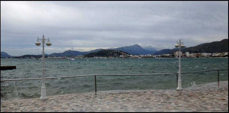3 el oeste desde la orilla opuesta a Es Barcares, side shore pero racheado