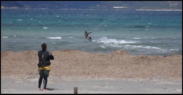 9 Alguien debería cuidar de donde estas mientras haces kitesurf