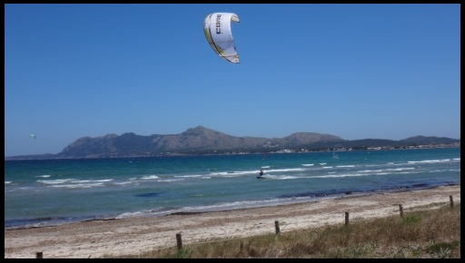 Kitesurfing in May Mallorca kiteschool kitespot Pollentia Club Resort