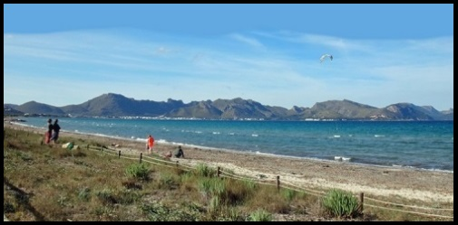 beach of Pollentia Club Mallorca kiteschool kitespot in summer July and August