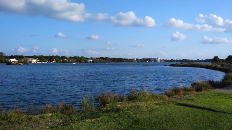 launch area lago mayor alcudia kitesurfing mallorca escuela de kite