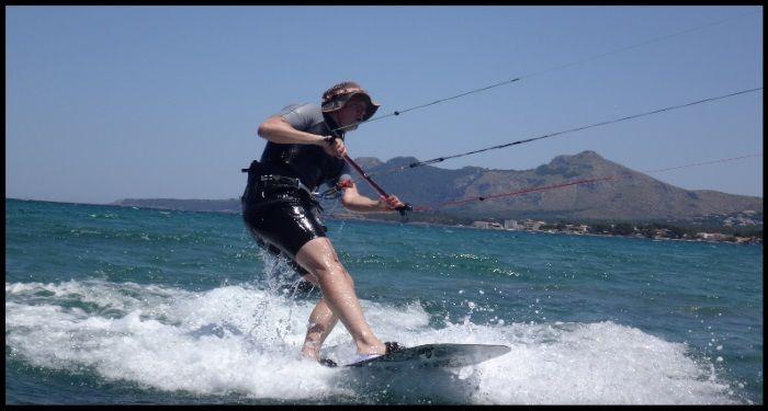 10 Mallorca kitesurfen Patrick deutsche junge kiten lernen mitwwwmallorcakiteschool com