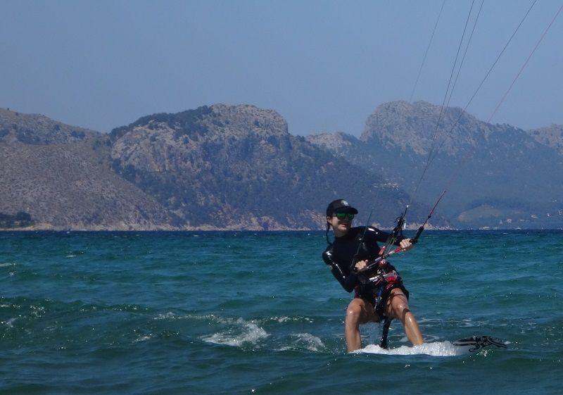 13-kitespot Mallorca Pollensa Bay Kitekurs im Juni flysurfer Kiteschule