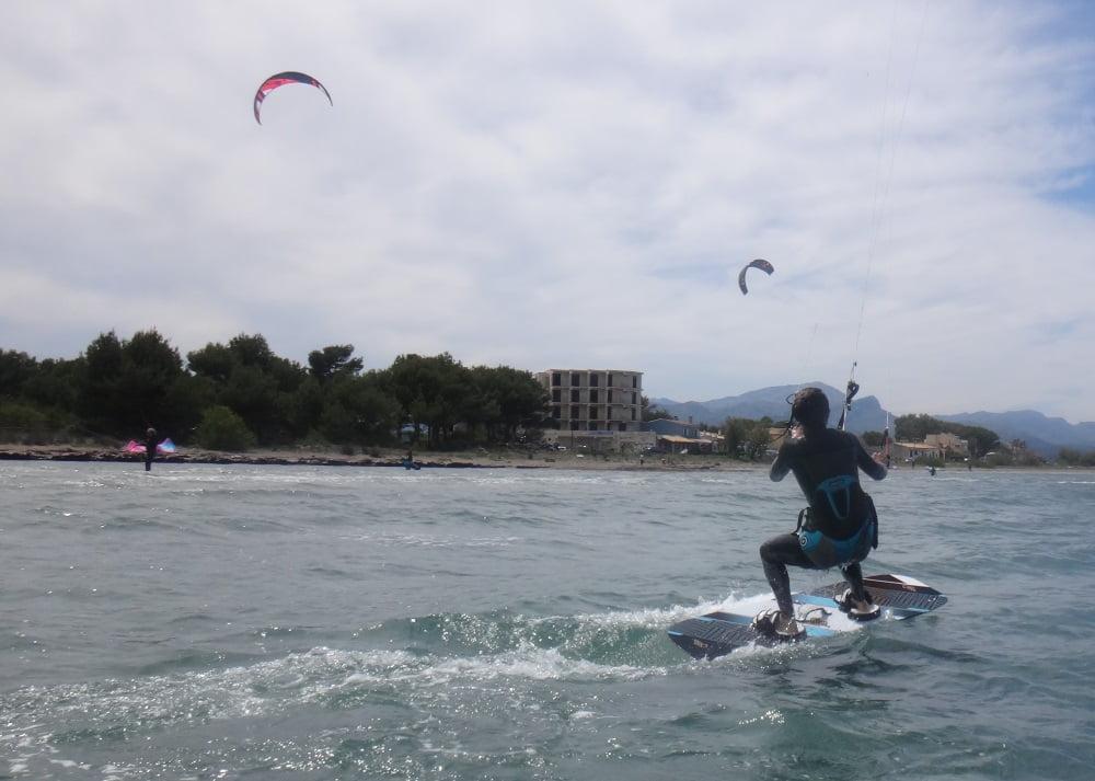 2 kitesurfing school in Majorca with Coralie in May