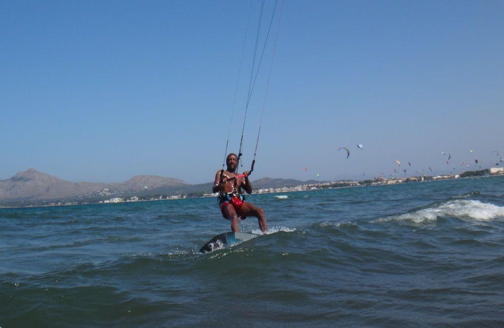 2 riding in control kitesurfen mallorca