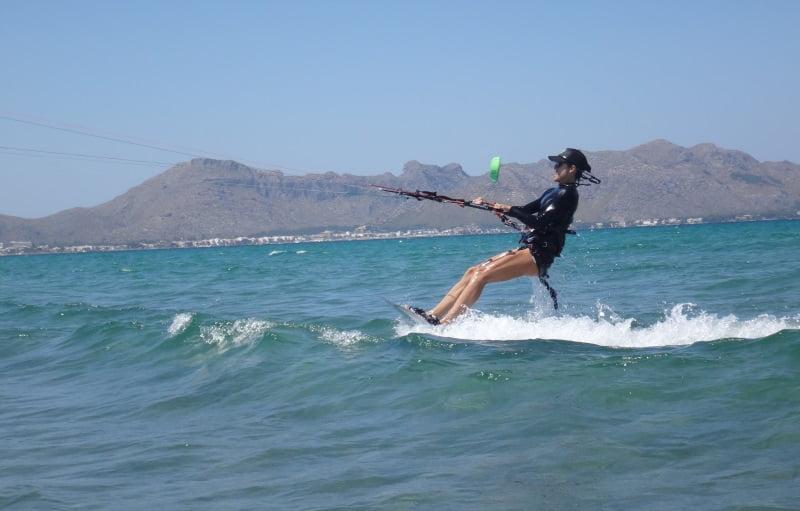 15-escuela-de-kitesurf-en-Palma-Mariona-kitesurfing-lessons-Mallorca-in-August