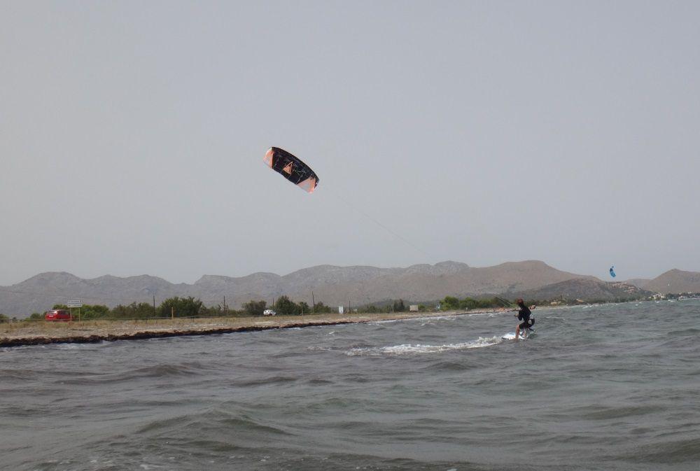 3 Kati gewinnt Abstand vom Ausgangspunkt kiteschule mallorca Pollensa