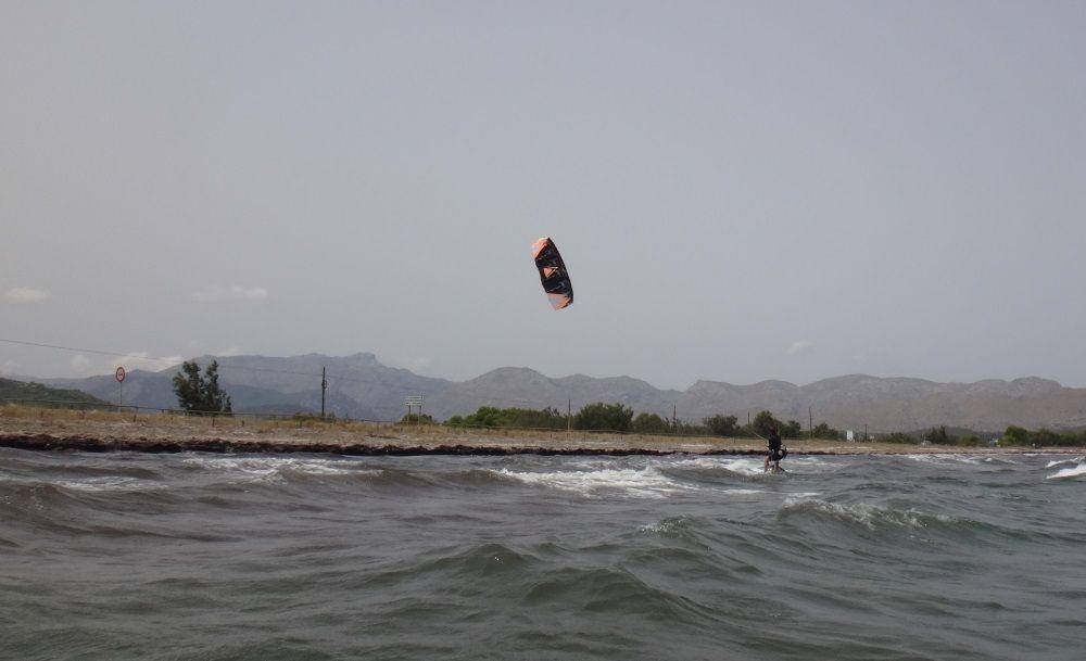 4 300 m enfern kitesurfschule mallorca Alcudia Gemeinde in Mai