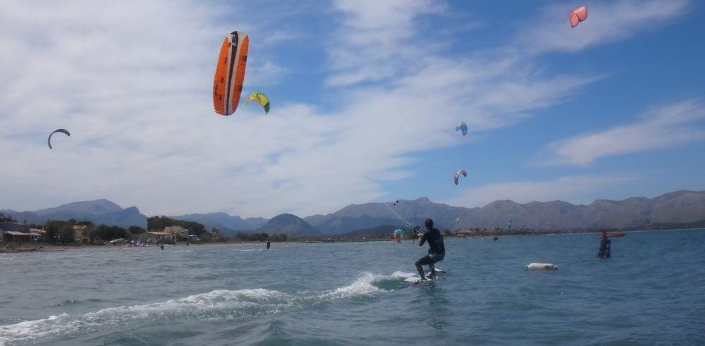 4 kitesurfing coralie riding flysurfer kiteboard Mallorca