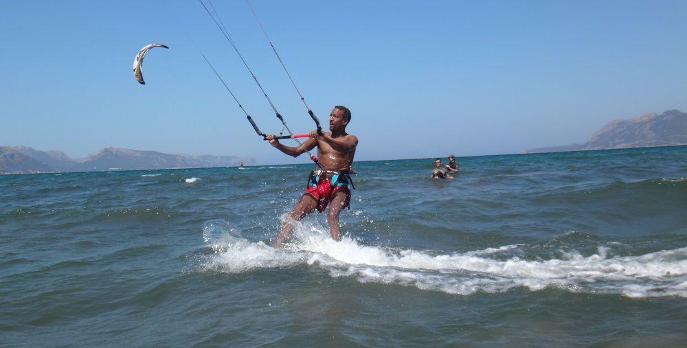 4 riding away foto for a Facebook profile mallorca kitekurse