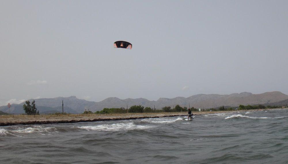 5 400 m von ihrem Ausgangspunkt Kitesurfen Mallorca Katy Waterstart