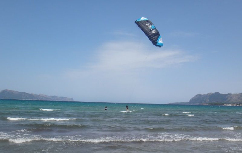 6-Kitesurf-Unterricht Mallorca stehrevier Wind im Juni in Sa Marina