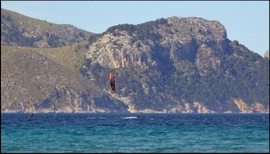 8 the only kite on the air flysurfer sonic mallorca