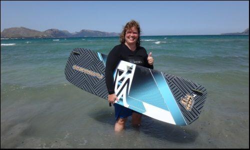 Dies ist ihre erste Kite-Fahrt mallorca kiteschule mit Claudia