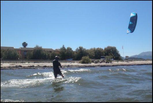 Mandy und Patrick in beide Richtungen kitesurfen konnten kitekurs auf Mallorca im Juni