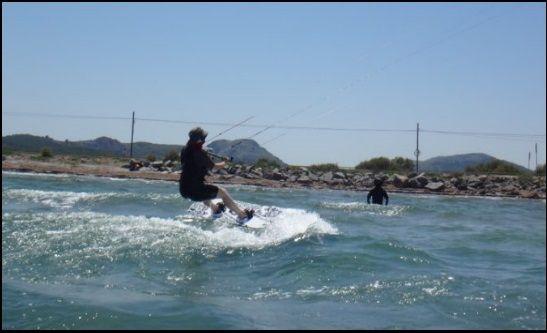Mandy und Patrick trainiert mit der besten Kitesurf-Ausrüstung