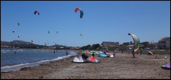 eine authentische Legion aufgeregter Kiter mallorca kiteschule in May