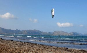 12 kitesurfing mallorca Manuel flysurfer Lutus first waterstart and ride