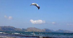 13 mallorca kiteschool Pollensa bay Manuel kitesurfing first time