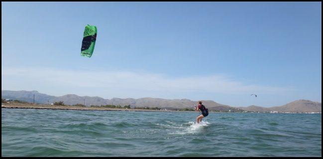 5 nueva socio de asociacion aprende a navegar Svenja curso de kite en un dia en Mallorca