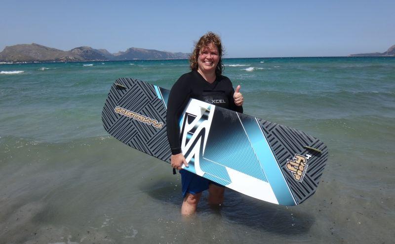 6-nuestra-amiga-Andrea-escuela de kitesurf en-Mallorca