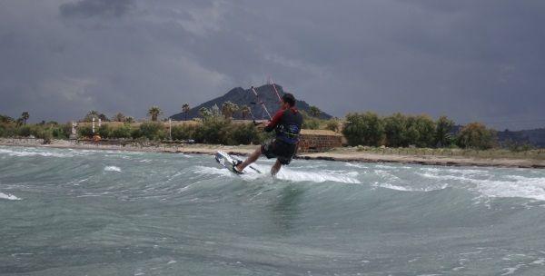 kiteboard zu kleines kiten anfänger lernen Mallorca DSC02840a