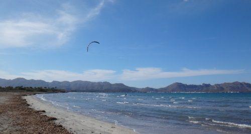 4 mallorca kitespot kitesurfing lessons fantastic Pollensa Bay in Mai www mallorcakiteschool com