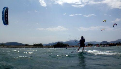 5 kiteschool in Mallorca flysurfer Peak Alcudia
