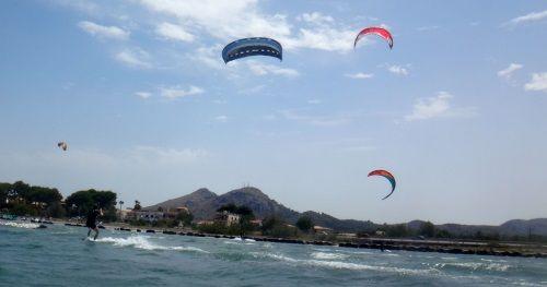 8 Wind auf Mallorca im Mai Palma de Mallorca Kiteschule