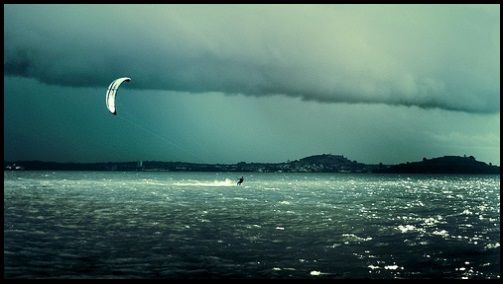 5 kitesurfing under a storm electric static which you don't wish to yourself - mallorca kiteschool