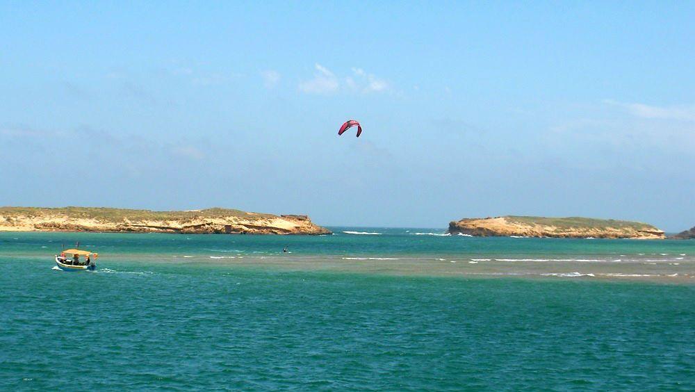 the kite lagoon entrance to the sea kiteblog Mallorca kiteschool