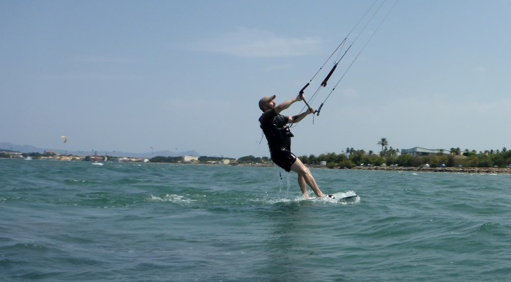 and starts navigating kitesurfing is easy when the Gods are by your side