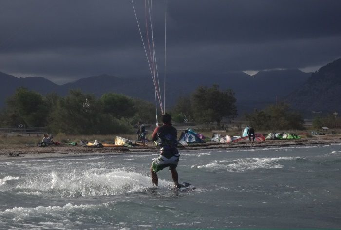 13 the day threat rain on west wind in Mallorca