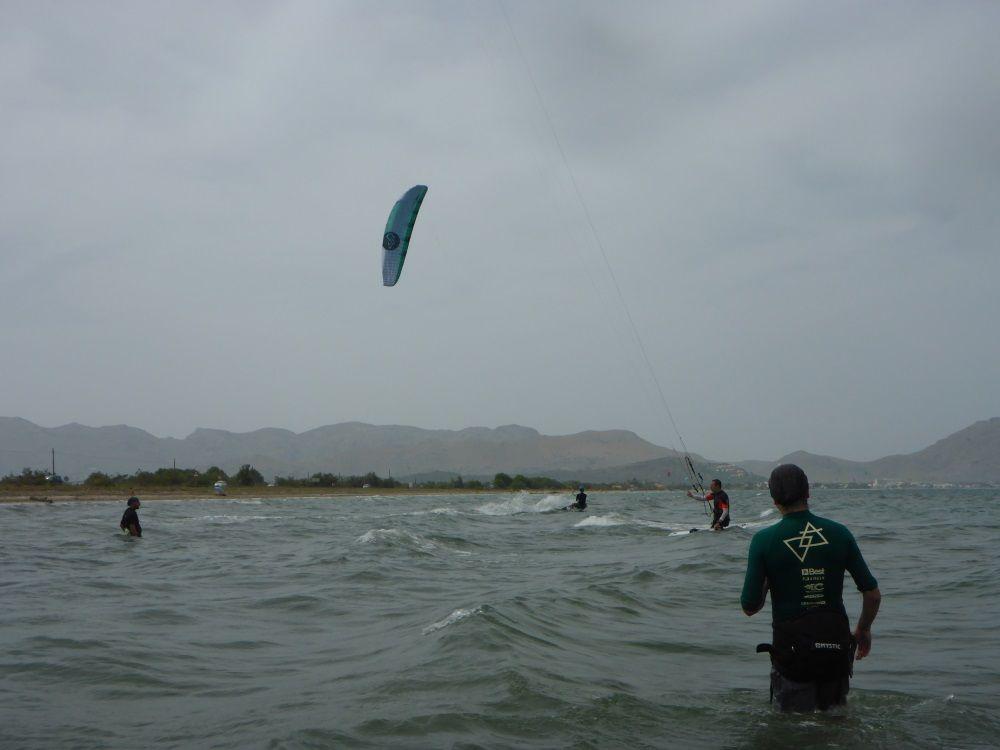 16 intercambiando los kite con gran fraternidad