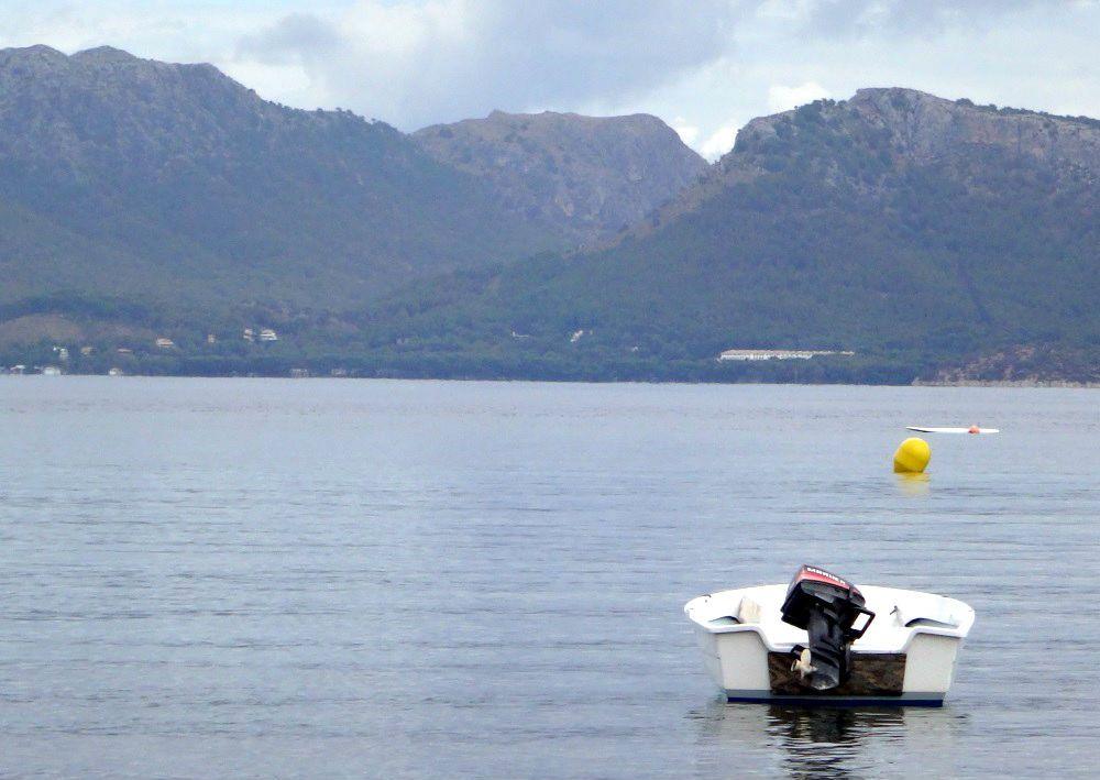 6 hotel-Formentor-en-la-distancia-kitesurfen-Mallorca-desde-Es-Barcares-2016