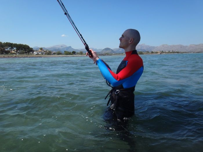 1-learning-kitesurfing-in-Alcudia-danish-guy-in-his-first-hour-of-kite-lessons
