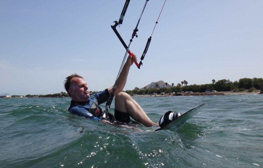 2-mallorca kiteschool-kitekurs-jetzt-allein-ist-es-der-Moment-für-Wasserstart