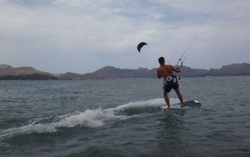 4-kitesurfing-club-Mallorca-Sotero-kiten lernen bei Pollensa bucht