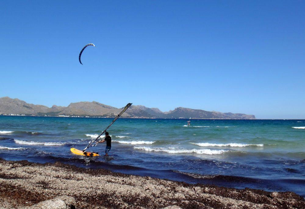 8 la playa eel Portblue y nuestra escuela de kite foils