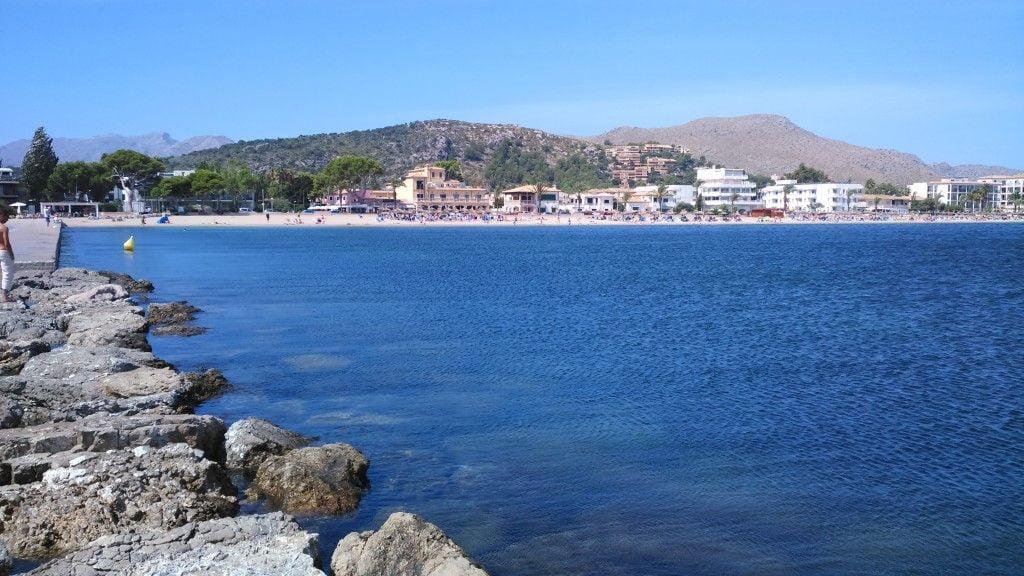 9-perfect-flat-water-wind-in-mallorca-kitesurfing lessons mallorca