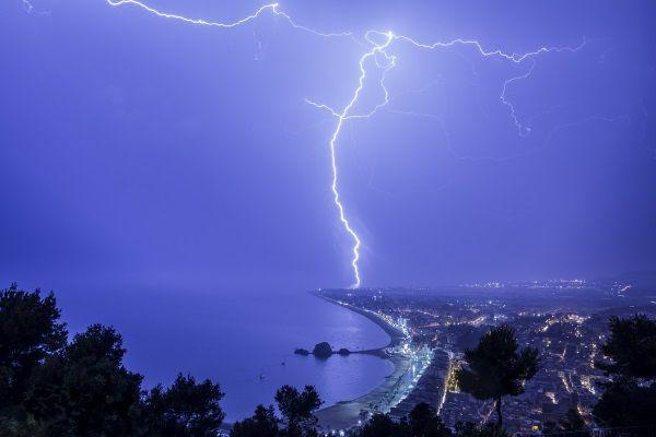 10 kitesurfing-mallorca-kitesurf no en tormenta electrica