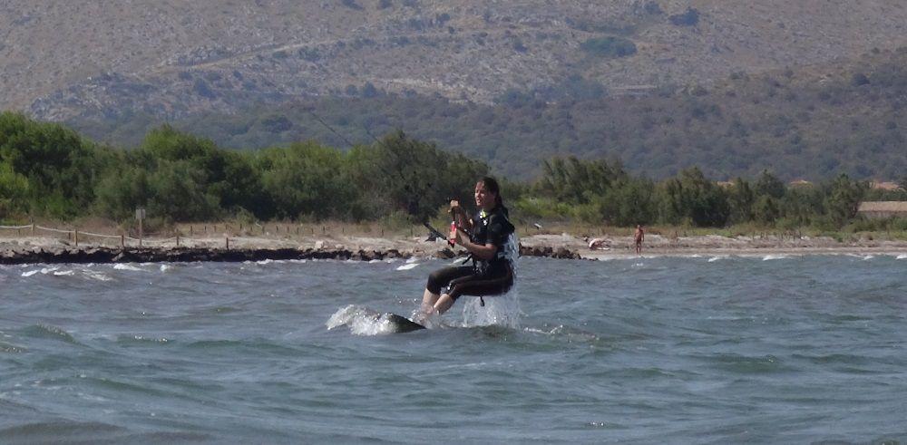8 - aprende kitesurf con flysurfer Peak modelo en mallorca