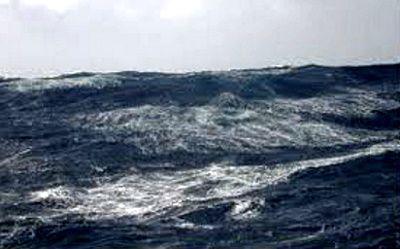 olas de viento en un lago mallorca kiteschool