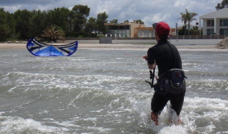 14 cursos de kitesurf en Mallorca el tubo se ha caido