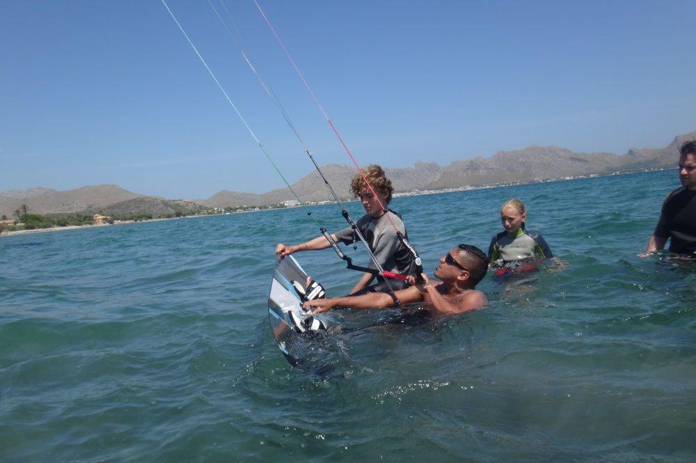 2-a-little-help-it-is-alweays-welcome-kitesurfing-mallorca