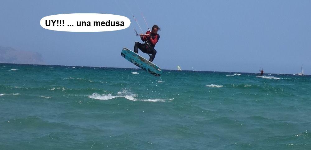 24 cursos de kitesurf en Mallorca - Edu saltando